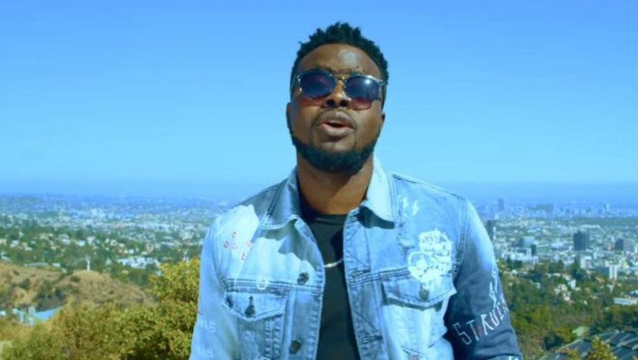 Les 10 plus beaux looks de Locko, le chanteur camerounais qui fait du charme