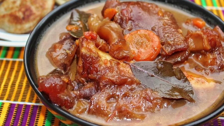 Cuisine : Réussir son bouillon de pattes de bœuf en un clic