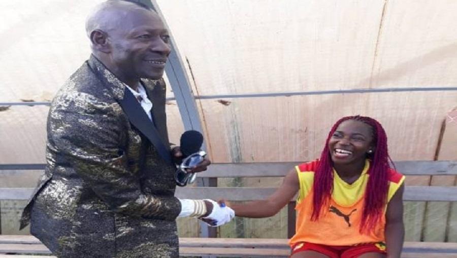 Nyangono du Sud donne un concert pour encourager les lionnes (vidéo)