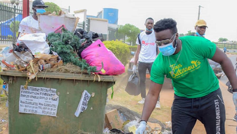 Mouvement Tous bâtisseurs: Les stars se mobilisent pour nettoyer Yaoundé