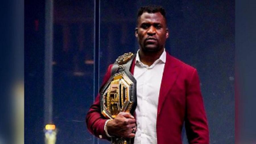 Francis Ngannou: «Je vais exposer ma ceinture dans la rue au Cameroun»