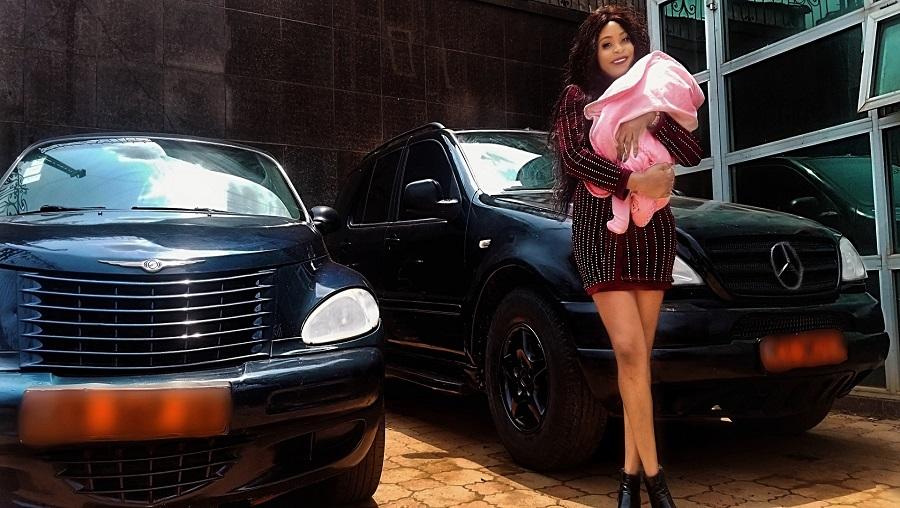 La chanteuse Mel B Akwen achète une voiture à sa fille de 02 mois